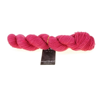 Wool Finest Farbe 2348 Ultra Rot